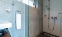 Yuki Ten Shower | Hirafu, Niseko