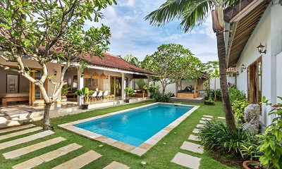 Villa Crystal Swimming Pool | Seminyak, Bali