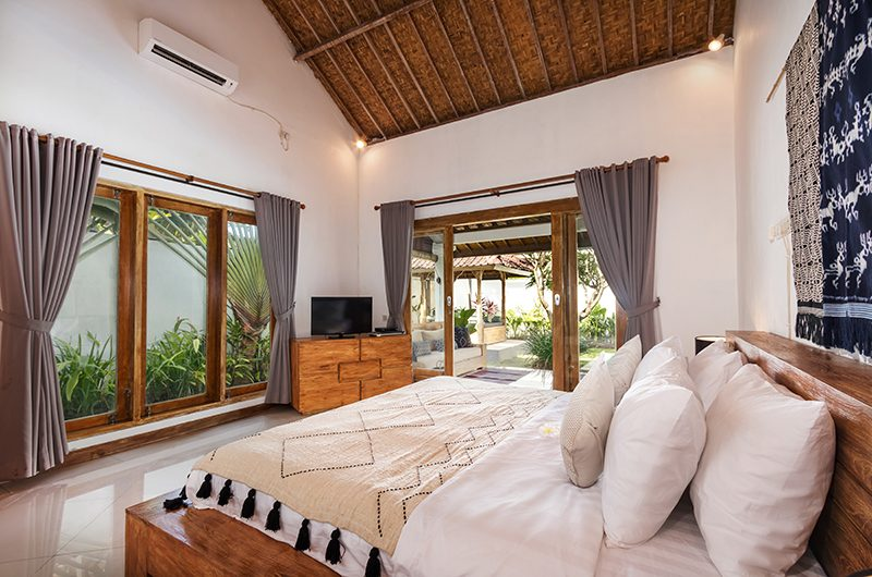 Villa Crystal Bedroom Four Side | Seminyak, Bali