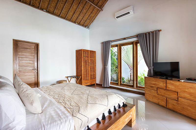 Villa Crystal Bedroom Four with TV | Seminyak, Bali