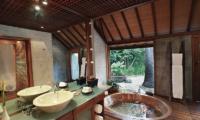 Villa Sin Sin Hot Tub   Kerobokan, Bali