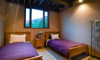Powderhouse Twin Bedroom | Hakuba, Nagano