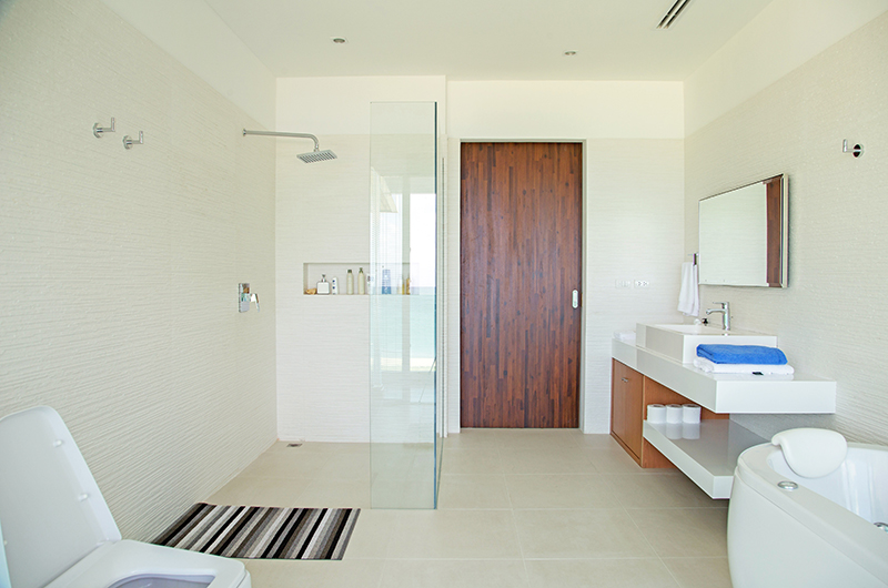 Villa Summer Estate Bathroom | Natai, Phang Nga