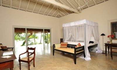 Kimbulagala Watte Villa Bedroom with Study Table | Koggala, Sri Lanka