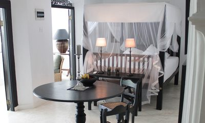 The Well House Bedroom with Table | Galle, Sri Lanka