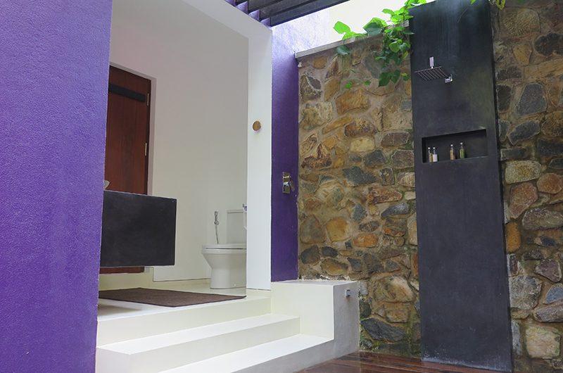 Villa Wambatu Shower | Galle, Sri Lanka