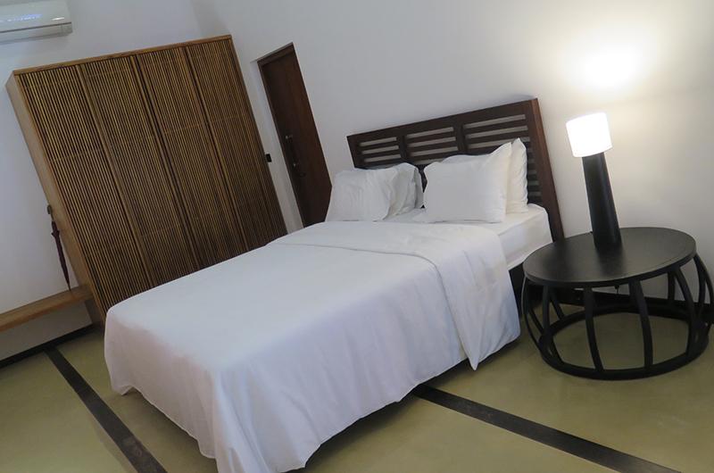 Villa Wambatu Bedroom with Lamps | Galle, Sri Lanka