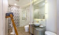 Villa Thousand Hills Guest Bathroom | Phuket, Thailand