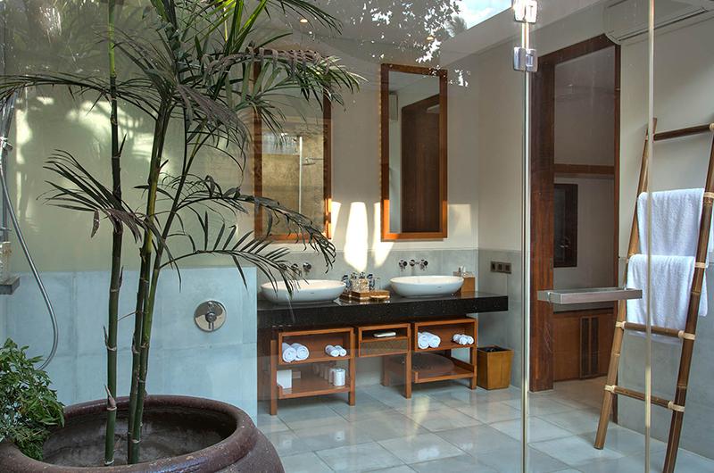 Seseh Beach Villa 1 Bathroom Area | Seseh, Bali