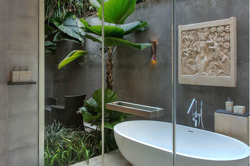 Seseh Beach Villa 1 Bathtub | Seseh, Bali