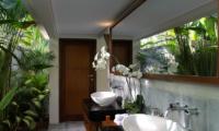 Seseh Beach Villa 2 Bathroom Area | Seseh, Bali