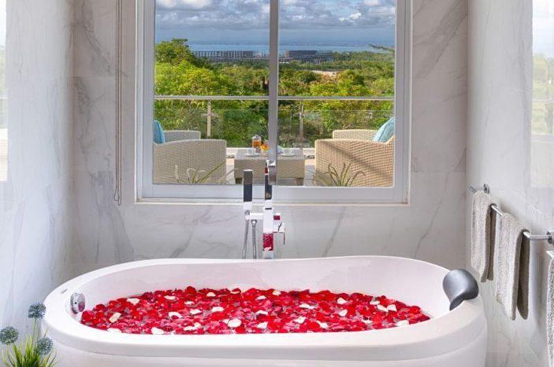 Villa Kalibali Bathtub | Uluwatu, Bali