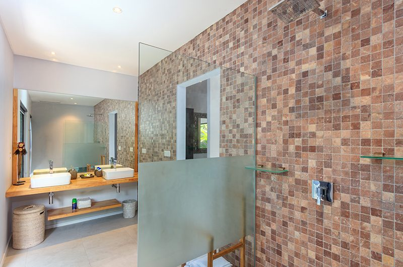 Villa Ohana Bathroom One with Shower | Kerobokan, Bali