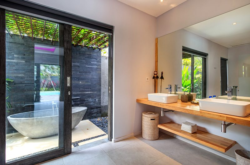 Villa Ohana Bathroom One | Kerobokan, Bali