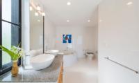 White Stone En-Suite Bathroom | Nathon, Koh Samui