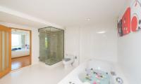 White Stone Bathroom with Bathtub | Nathon, Koh Samui