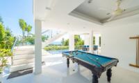 White Stone Pool Table | Nathon, Koh Samui