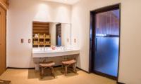 Villa Rusutsu Bathroom Area | Rusutsu, Japan