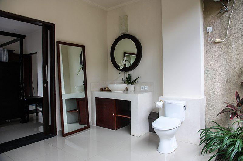 Villa Cendrawasih Ubud Villa Kasuari 1 Bathroom Two Area | Ubud, Bali