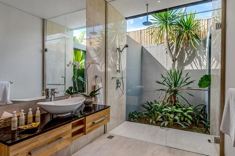 Villa Damai Aramanis Bathroom Area | Seminyak, Bali