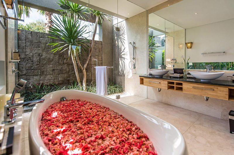 Villa Damai Aramanis Bathtub | Seminyak, Bali