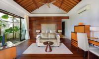 Villa Karang Saujana 1 Master Bedroom | Ungasan, Bali