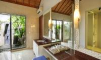 Villa Karang Saujana 1 Bathroom with Outdoor Shower | Ungasan, Bali