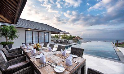 Villa Karang Saujana 2 Outdoor Dining Area | Ungasan, Bali