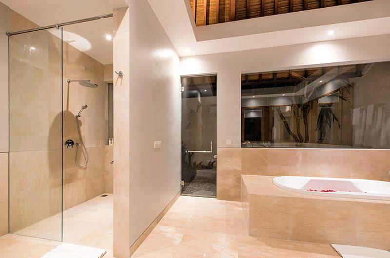 Villa Karang Saujana 2 Bathtub Area | Ungasan, Bali