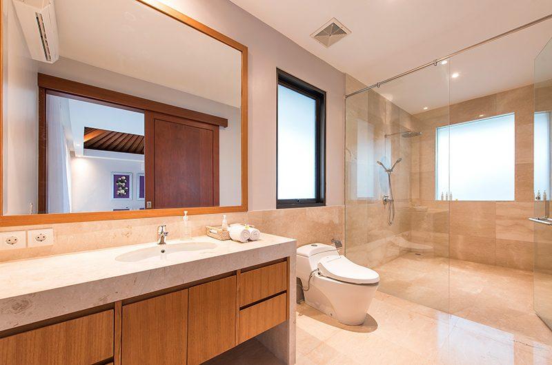 Villa Karang Saujana 2 Bathroom | Ungasan, Bali