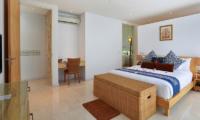 Villa Luna Aramanis Bedroom with Study Table | Seminyak, Bali
