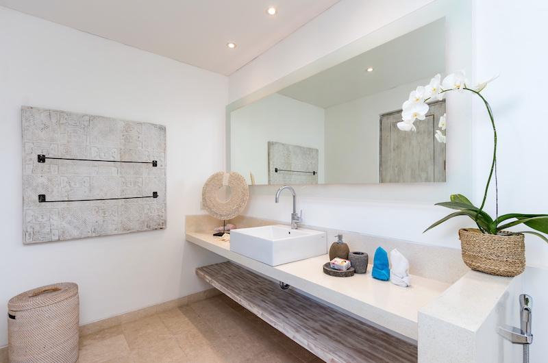 Villa Paraiba Bathroom Area | Seminyak, Bali