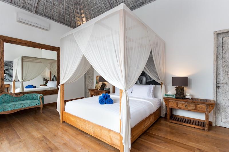 Villa Paraiba Spacious Bedroom Area | Seminyak, Bali