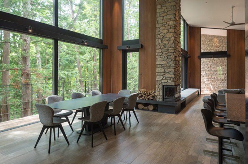 Villa El Cielo Living and Dining Area | Hakuba, Nagano