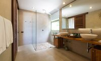 Avasara Residence Bathroom with Shower | Bophut, Koh Samui