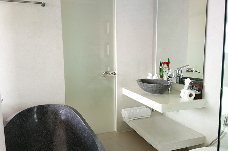Villa Lily Bathroom with Bathtub | Bang Por, Koh Samui