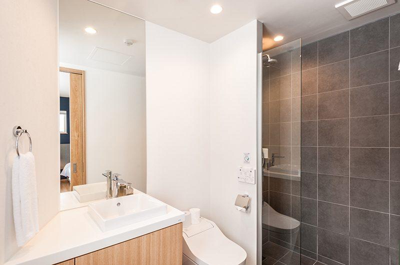 Kiri Bathroom | Hirafu, Niseko