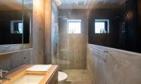 Puffin Bathroom with Shower | Hirafu, Niseko