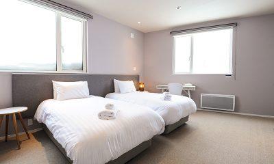 Sankei Twin Bedroom with Lamps   Hirafu, Niseko