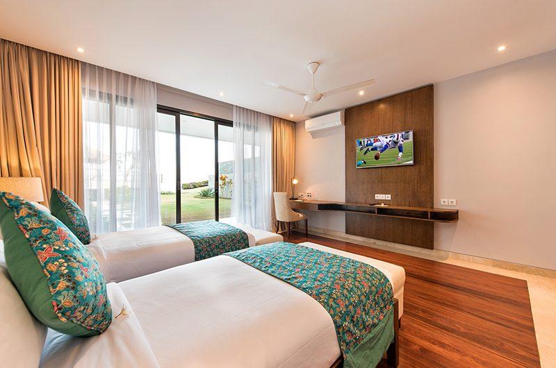 Karang Saujana Estate Villa Bale Agung Twin Bedroom with Study Table | Ungasan, Bali