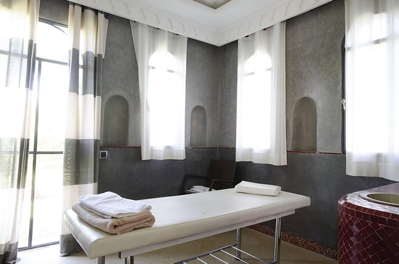 Villa Mexance Massage Bed | Marrakech, Morocco