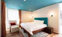 Kitsune House Bedroom with Seating   Hirafu, Niseko