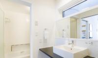 Sei Sei Bathroom Area   Hirafu, Niseko