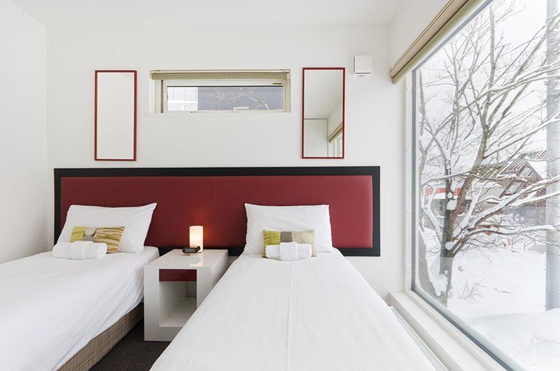 Sei Sei Twin Bedroom Side   Hirafu, Niseko