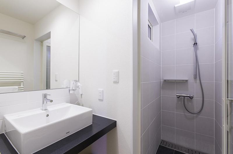 Sei Sei 2 Bathroom | Hirafu, Niseko