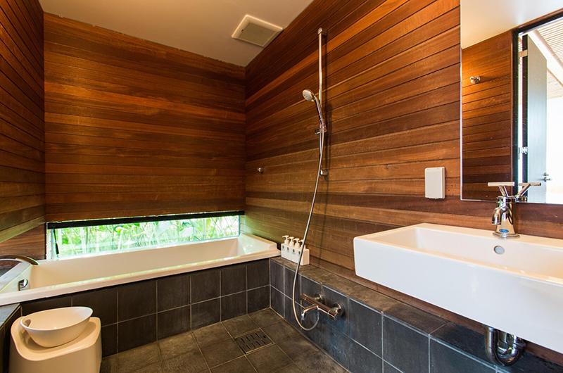 Sekka Ni 3 Bathroom   Hirafu, Niseko