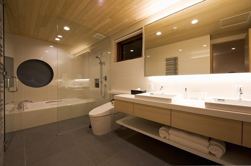Seshu Bathroom   Hirafu, Niseko