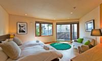 Seshu Twin Bedroom   Hirafu, Niseko