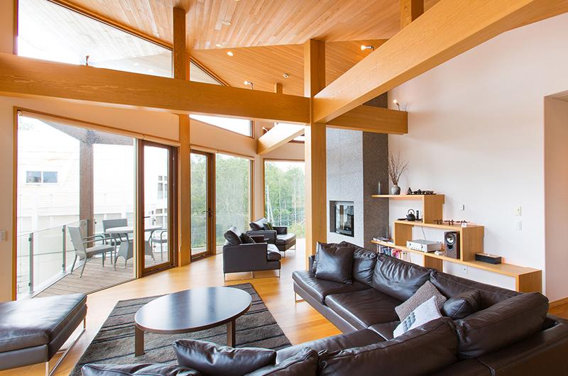Seshu Open Plan Living Room   Hirafu, Niseko