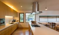 Seshu Fully-Equipped Kitchen   Hirafu, Niseko
